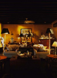 Old Fort Club lounge